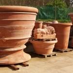 Les pots de Toscane habillent terrasses et jardins